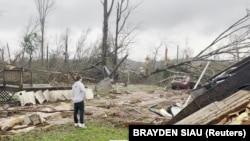 Tornado je napravio veliku štetu u sjevernoj Alabami
