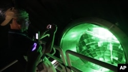 Момент фокусировки 192 лазерных лучей на одну цель
