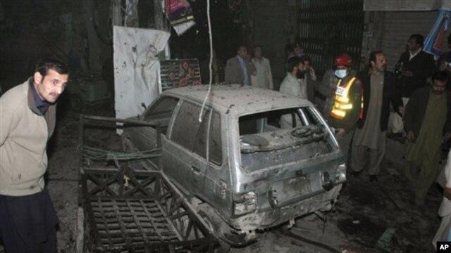자살 폭탄 공격이 발생한 파키스탄 북서부 페샤와 지역 현장 사진