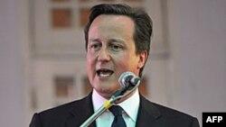 Britanski premijer Dejvid Kameron vrši pritisak na evropske lidere da reše dužničku krizu evropskih država