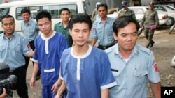 Born Samnang and Sok Samoeun were remanded to 20-year prison sentences by the Appeals Court on Thursday, following their release on the order of retrial in 2009.