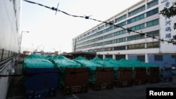 新加坡装甲车被扣押在香港货运港口