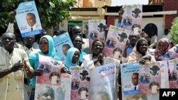 Những người ủng hộ ứng cử viên của Phong trào Giải phóng Nhân dân Sudan xuống đường phản đối