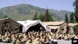 پاکستانی کشمیر:ہزاروں بچے خیموں میں تعلیم حاصل کرنے پر مجبور