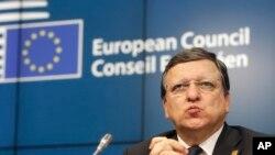 지난 17일 벨기에 브뤼셀에서 열린 유럽연합 회의에서 호세 메뉴엘 바로소 의장이 기자회견을 열고 우크라이나 사태에 대해 언급하고 있다. (자료사진)