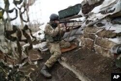 Ukrajinski vojnici na frontu na Istoku zemlje, Foto: AP
