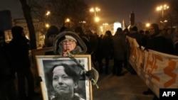 В Москве состоялось траурное шествие и митинг памяти адвоката Станислава Маркелова и журналистки Анастасии Бабуровой. 19 января 2011 года