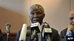 Former South African President Thabo Mbeki announces that Sudan and South Sudan agreement (2012 photo)