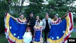 Venezolanos se reúnen en Washington D.C. para practicar un baile típico. Octubre, 2021. Foto: Cristina Caicedo Smit - VOA.