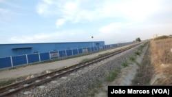 Estaleiro da CR20, empresa que reabilitou o caminho de ferro de Benguela