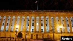 美國財政部大樓夜景(2020年12月13日)