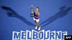 Vận động viên quần vợt Victoria Azarenka đoạt giải vô địch quần vợt Australia Mở Rộng phái nữ