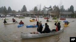 Poplave u Kaliforniji
