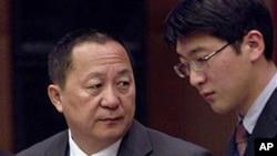 리용호 북한 외무성 부상(왼쪽). (자료사진)