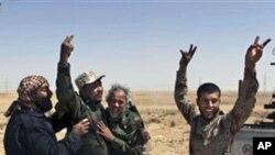 نیٹو کی 'سست' کارروائی پر لیبیا کے باغیوں کی تنقید