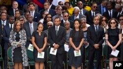 En images : les Haïtiens disent adieu à l'ancien président René Préval