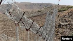 阿富汗和巴基斯坦邊境的鐵絲網(2017年10月18日)
