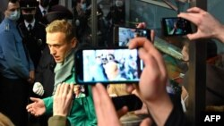 Алексей Навальный на паспортном контроле в Шереметьево. 17 января 2021 г.