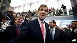 4일 미국 국무부에서 열린 새 국무장관 환영 행사에서 존 케리 신임 미 국무장관.