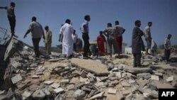 Chính phủ Libya cho các ký giả thấy cảnh một y viện bị tàn phá trong thị trấn Zlitan, ở phía đông thủ đô Tripoli, ngày 25/7/2011