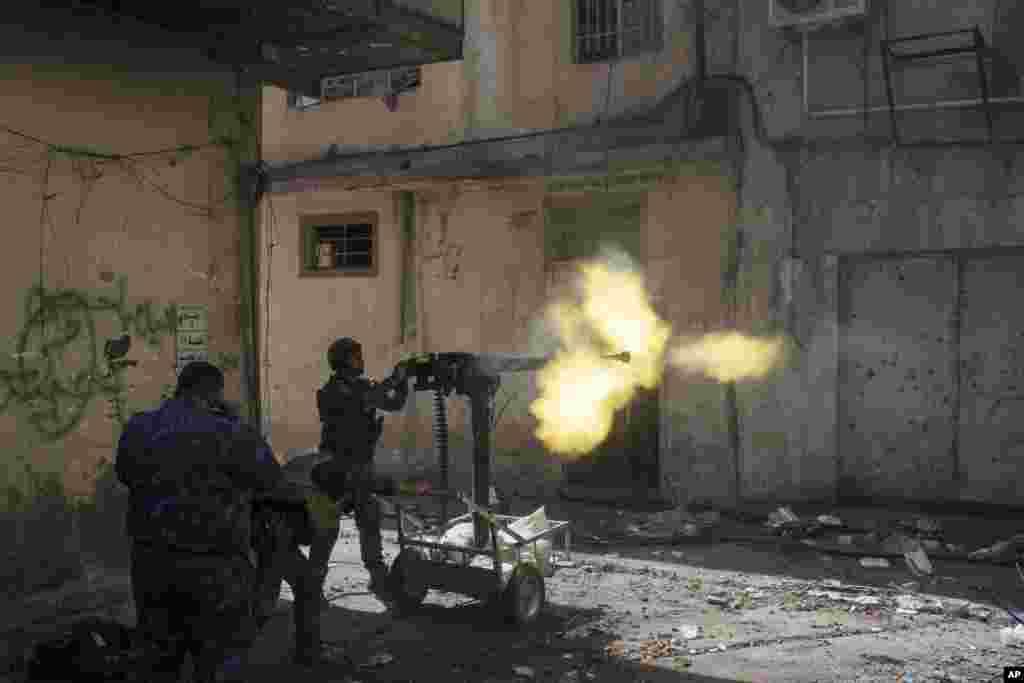 عراقی افواج نے موصل میں داعش کا قبضہ چھڑانے کے لیے گزشتہ سال اکتوبر میں کارروائی کا آغاز کیا تھا۔