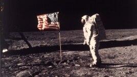 45 vjet pas ecjes së njeriut të parë në hënë