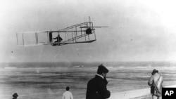 """""""Charlie era una persona muy humilde, nunca buscó la fama"""", dijo Ken MacTiernan refiriéndose al primer mecánico de la aviación."""