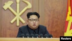 북한 김정은 국방위원회 제1위원장이 1일 2016년 신년사를 육성으로 발표했다.