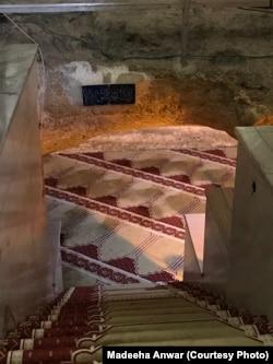 بئر الارواح کی طرف جاتی سیڑھیاں