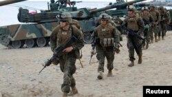 지난해 4월 미 해병대원들이 한국 포항에서 실시된 미-한 연합 상륙훈련 참가했다. (자료사진)