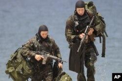Comandos Seal em treino avançado