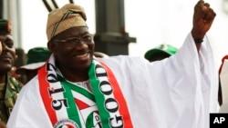 Le président sortant nigérian Goodluck Johnathan en campagne pour la présidentielle du 28 mars 2015.