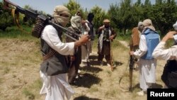 رایس وایي پاکستان دوه مخه رول لوبوي تش په نامه د خبرو پلوي کوي، خو د طالبانو ملاتړ ته دوام ورکوي