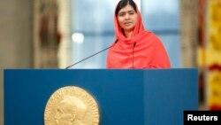 지난해 12월 노르웨이 오슬로에서 열린 노벨평화상 시상식에서 수상자인 말랄라 유사프자이가 연설하고 있다. (자료사진)