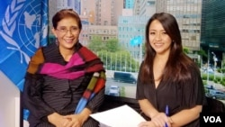 Menteri Kelautan dan Perikanan Susi Pudjiastuti (kiri) dalam wawancara dengan Reporter VOA Patsy Widakuswara di di Markas PBB, New York, AS, Selasa (6/6).