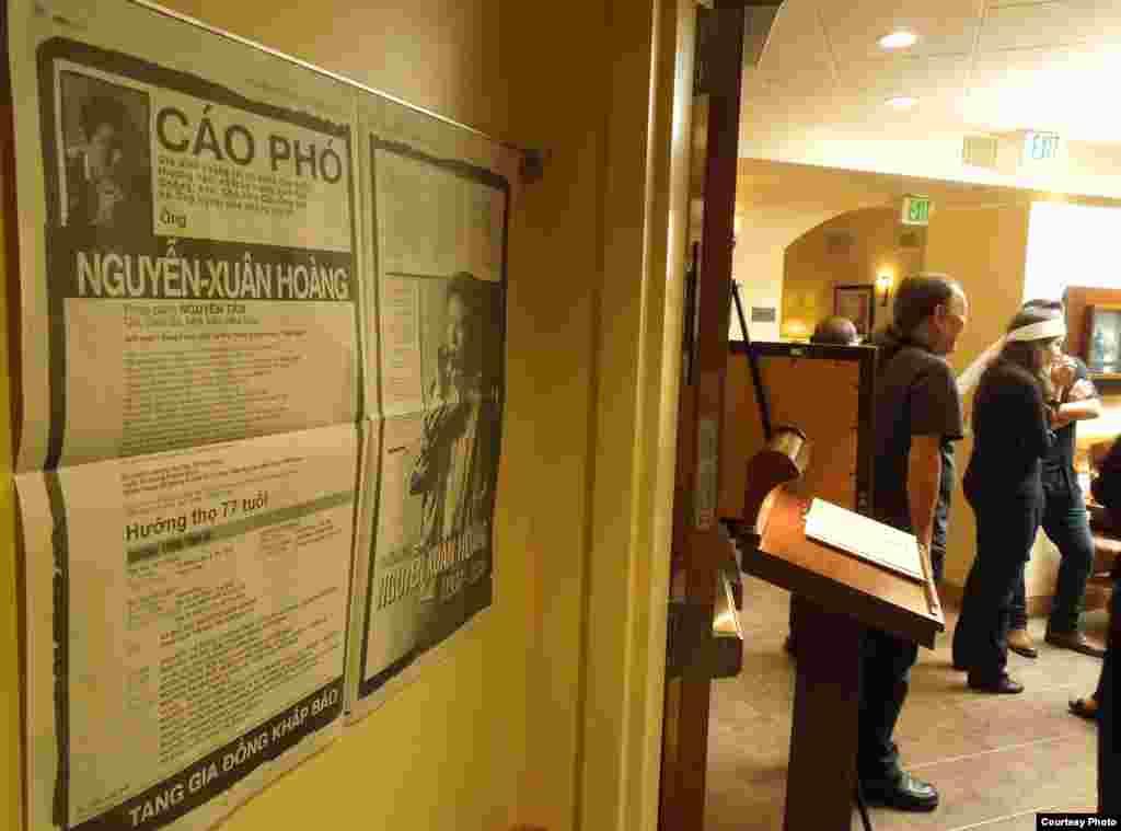 Nhà văn Nguyễn Xuân Hoàng, một blogger của VOA Tiếng Việt đã qua đời hôm 13/9/2014 ở San Jose, California, hưởng thọ 77 tuổi.