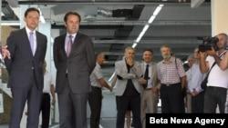 Potpredsednik Vlade Rasim Ljajić i direktor Pošta Srbije Goran Ćirić obilaze prostorije tokom otvaranja rekonstruisanog Glavnog poštanskog centra u Nišu.