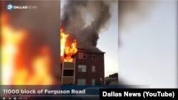 Hiện trường vụ hỏa hoạn khu chung cư ở Dallas, Texas, hôm 21/11.
