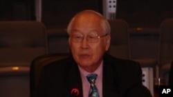 郑赤琰,教授,香港中文大学政治系。前主任