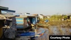 Nơi tạm cư mới của ngư dân gốc Việt trên Biển Hồ, cách xa làng bè cũ khoảng 5 km, thuộc huyện Boribo, tỉnh Kampong Chhnang, Campuchia, ngày 1/11/2018. Ảnh do ông Trần Văn Tuấn cung cấp.