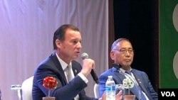 国会及行政当局中国委员会成员、纽约民主党众议员思沃西(美国之音方冰拍摄)