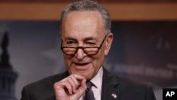 El líder de la minoría demócrata en el Senado de EE.UU., Chuck Schumer, dice que el elegido por Trump para la Corte Suprema podría impactar por décadas las decisiones del máximo tribunal.