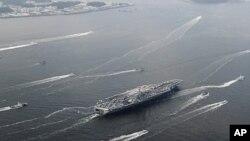 미-한 연합훈련에 참가한 미국 제7함대 소속 항공모함 조지 워싱턴호 (자료사진)