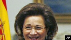Suzanne Mubarak, wife of ousted Egyptian President Hosni Mubarak (February 5, 2008 file photo)