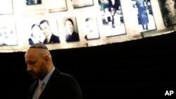 عبدالله شتیلا در بازدید از موزه هولوکاست (یادواشم ) در اورشلیم