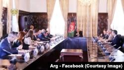 هیأت سناتوران امریکایی در دیدار با رئیس جمهور غنی در ارگ ریاست جمهوری