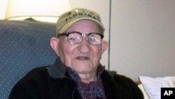 Salustiano Sanchez-Blazquez, pria tertua di dunia, meinggal dunia pada usia 112 tahun di New York, Jumat, 13 September 2013 (Foto: dok).