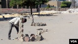 Надгробки на вулицях. ФОТО