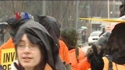 Peringatan 10 Tahun Penjara Guantanamo - Apa Kabar Amerika 16 Januari 2012