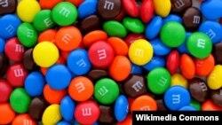 Siapa sangka permen cokelat M&M lahir dari perlunya menyediakan makanan berkalori tinggi bagi militer AS (foto ilustrasi: Wikipedia).